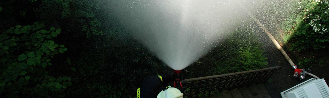 Hohlstrahlrohr-Training bei der Feuerwehr Vohwinkel