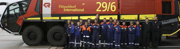 Die Jugendfeuerwehr Vohwinkel hat die Feuerwehr des Flughafen Düsseldorf besucht.