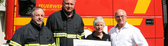 Förderverein Feuerwehr Vohwinkel e.V. spendiert holzbefeuerte Realbrandausbildung